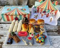 Caja Circo con personajes y pastelería